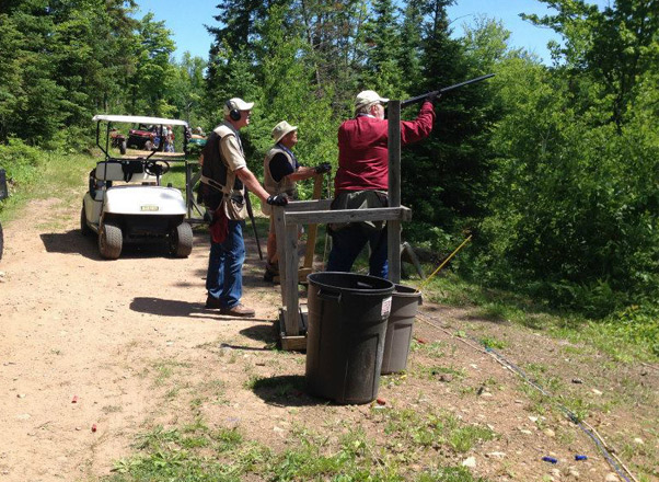 men-shooting-sporting-clay-course-medford-wi